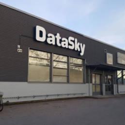 DataSky liiketilan valomainos